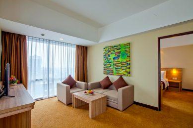 HHB_Suite_Livingroom