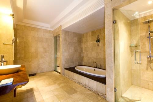 TKP_Villa_DLX2BR_Bedroom_bathroom